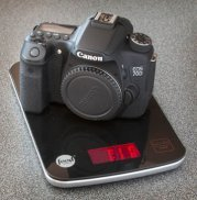 Canon EOS 70D on food scale = 1.1 lbs.