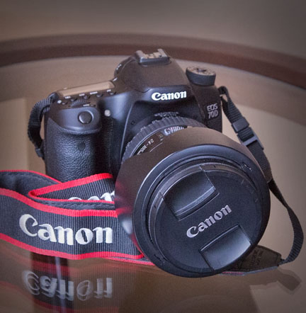Canon EOS 70D on Glass Table