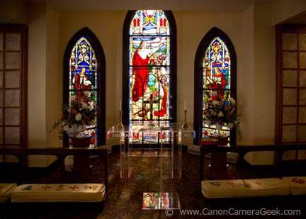 Canon 24-105 at 24mm for wedding interior photo