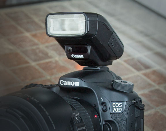 Travel Lighlty by Carrying a Combined 270EX II and EOS 70D
