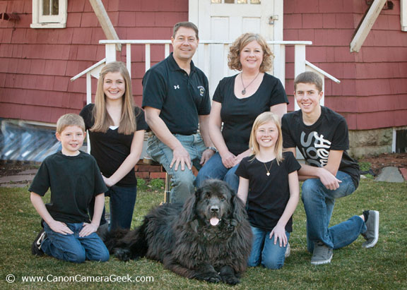Family Portrait with Dog Taen With Canon EF 70-200 Lens