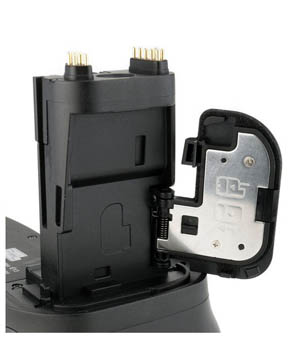 Battery grip power contacts