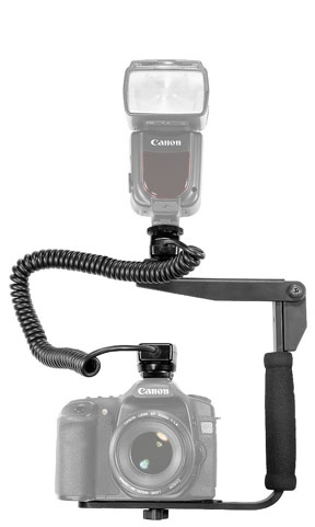 Bracket and flash cord for Canon Speedlite
