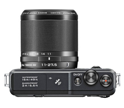 Mirrorless Camera With Large Lens Attached