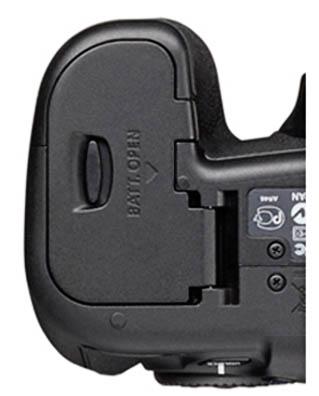 bottom of Canon EOS 60D
