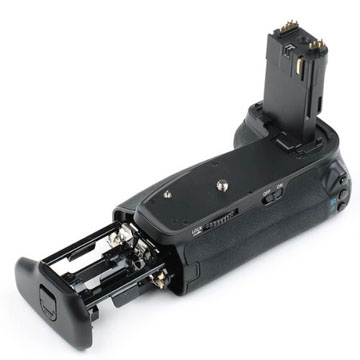 Neewer battery grip for Canon 6D camera